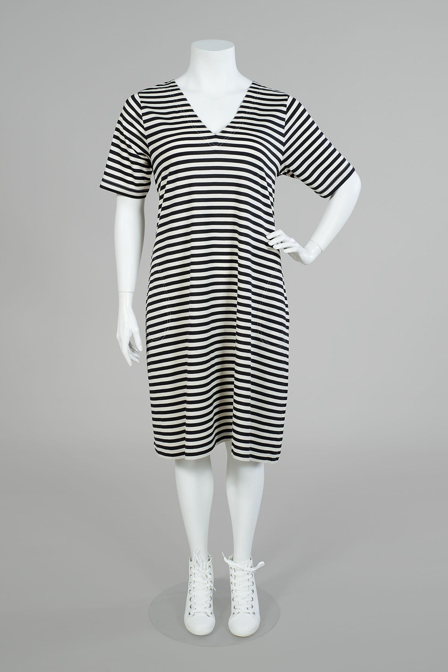 Paula klänning. En smickrande modell för många!