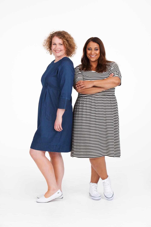 Denise och Paris är inga balklänningar men väldigt sköna och snygga för det! Denise klänning denim blå, ord. pris 795:- REA-pris 499:-. Paris klänning svart/vit, ord.pris 595:-, REA-pris 399:-