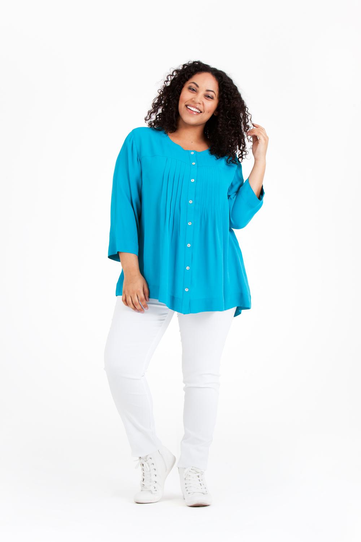 En favorit i ny färgställning! Ella blus 599:-